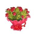 Buque c/ 12 rosas+ recheio  c/ crepom gratis mensagem gravada em cd
